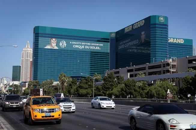 MGM Grand Casino v Las Vegas, kde Mark Hodos vyhrál progresivní jackpot Megabucks sahají k hranici 10,3 milionu dolarů